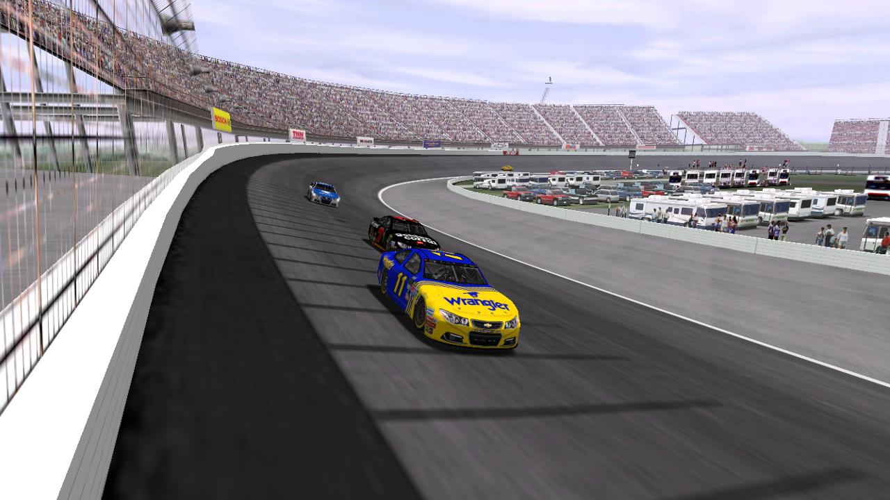 Speedyman11 leads lepage71 and ltfireman1604 at Rockingham Speedway. (Credit: DusterLag / HeatFinder)