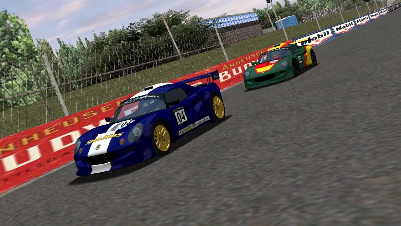 Speedyman11 leads puttzracer down the straightaway