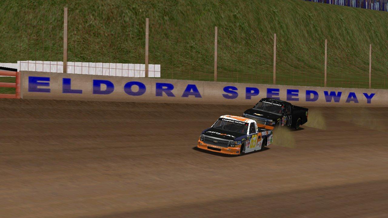 KartRacer63 racing Speedyman11 at the Buckeye 100 Wednesday night. (Credit: Grumpy / HeatFinder)